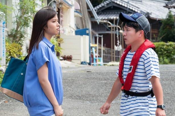【写真を見る】恋人となったハマちゃん(濱田岳)とみち子(広瀬アリス)はラブラブのはずだが…!?