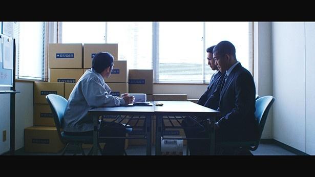【写真を見る】取引先に謝罪に訪れた亀田興毅