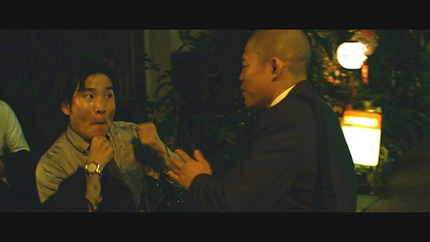先輩からパンチを見せろと煽られ困惑する亀田興毅