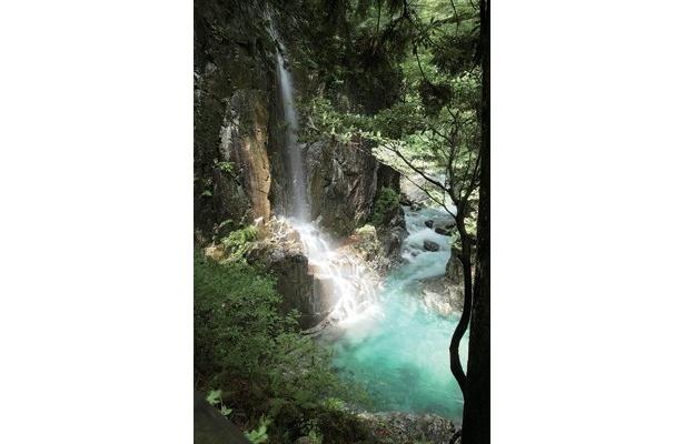 こんな超美しい滝もすぐ近く!(付知峡の観音滝)