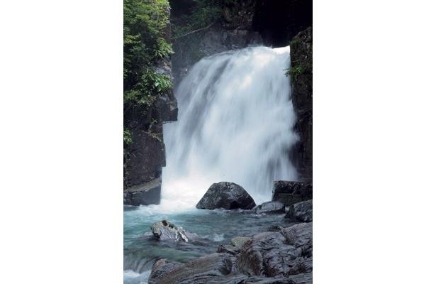 付知峡の仙樽の滝も見逃せない