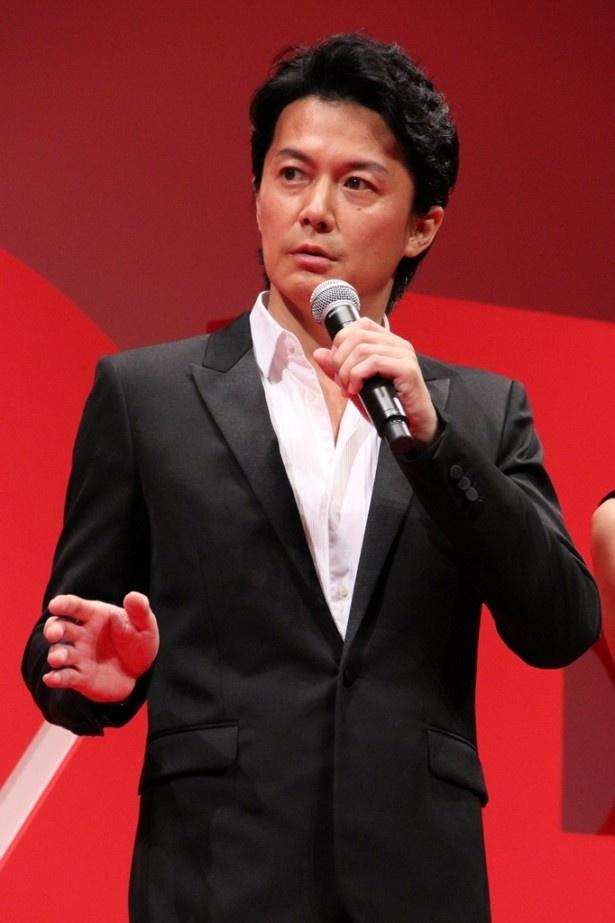 福山は「監督はすごく現場で優しかったです。同い年ということもあり、いじめられるかもと心配していました(笑)」と明かす