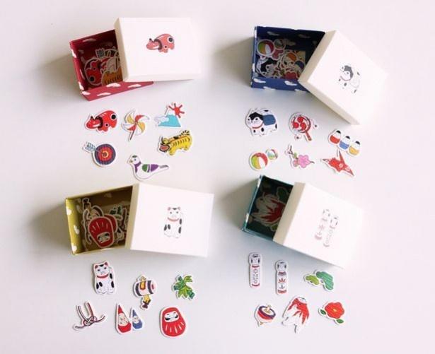 和紙のシールがつまった小箱は、まるで宝箱