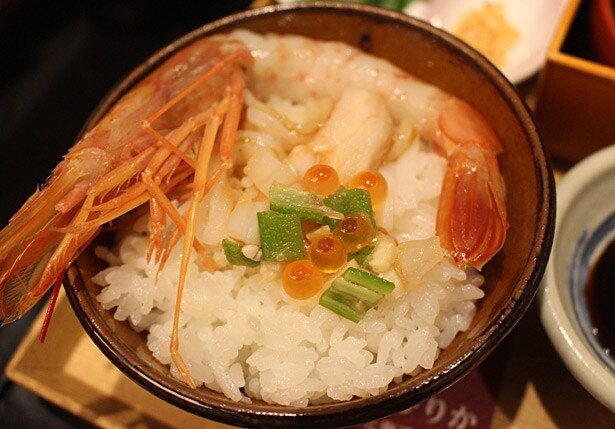 ごはんが主役の海鮮丼。さまざまな味のバリエーションを楽しもう