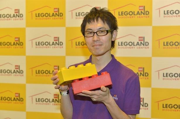 【写真を見る】世界に16人しかいないレゴ職人、マスター・ビルダーの大澤よしひろ氏
