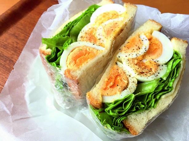 みんながチェックしたボリューム満点の卵サンド。断面が食欲をそそります
