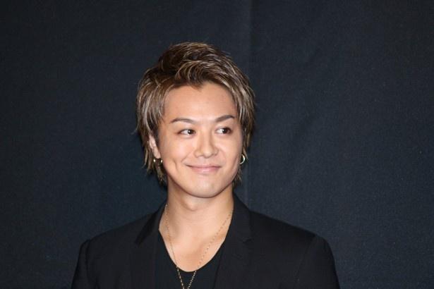 【写真を見る】TAKAHIROが海外ロケでの奇行を暴露される!?