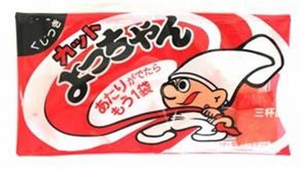 【写真を見る】カットよっちゃんの懐かしい味わいがカップ麺で楽しめる!