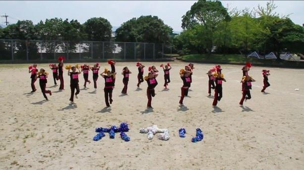 【写真を見る】「ポカリガチダンス選手権」で優勝したチーム・DoubleDのダンスにも注目!