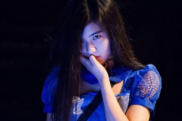 ドラマや映画で活躍する佐々木萌詠もアイドル役に