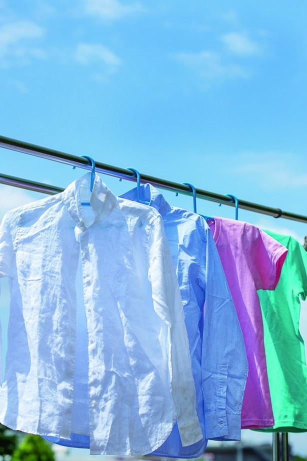 白いシャツを来シーズンもキレイに着るには、「しまい洗い」にコツが!