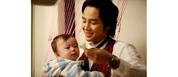 ハートウォーミング・コメディ『赤ちゃんと僕』(08)