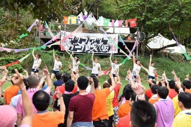 MCであやのん(佐藤綾乃)は、「私たち7人と、そして皆さんと一緒に武道館まで突き進んでいきたい」とファンに誓った