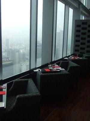 33階「マルベリーストリート」からは大阪市街が一望に