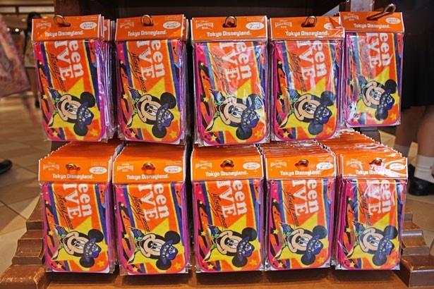 【写真を見る】「フェスティバルタオル」(500円)をゲットすれば、さらに盛り上がること間違いなし!