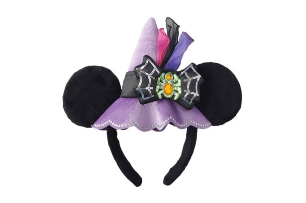 ミニーマウスの帽子をイメージした「カチューシャ」(1800円)。リボンにはハロウィーンらしくクモをデザイン