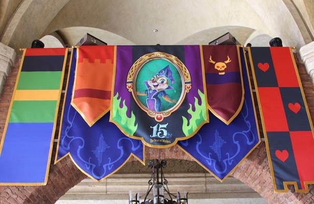 ミラコスタ通りの回廊にある、クラリスのデコレーション