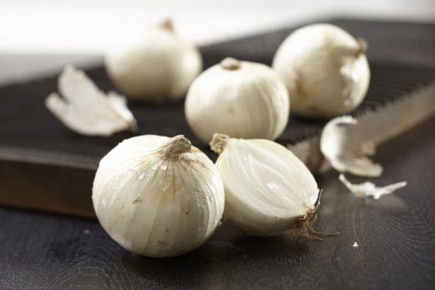 純白の姿が美しい、レアな品種の玉ねぎ「真白(ましろ)」