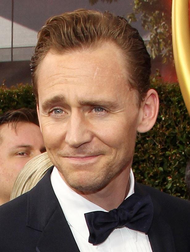 プリヤンカーといい感じになりトムもにやけ顔!?