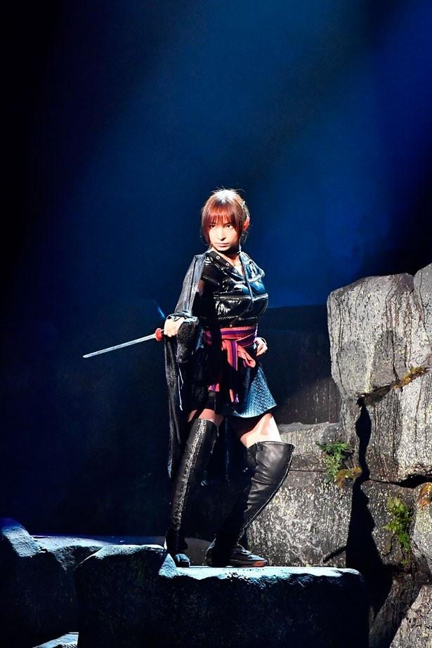 女忍者・火垂(ほたる)役で同舞台に初参加する篠田麻里子