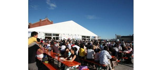 日本のビール発祥の地・横浜。「赤レンガ倉庫」はドイツの歴史的建造物なのでビアフェストの会場にはピッタリなのだ
