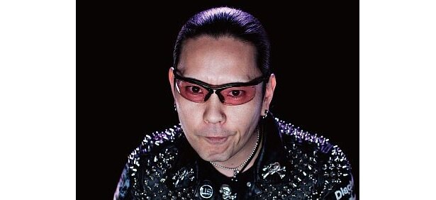 トイショップオーナーでパンクロックDJのHIKARUさん