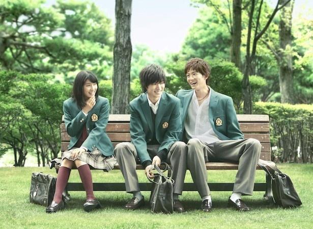 土屋太鳳と山崎賢人は、映画「orange-オレンジ-」で共に第39回日本アカデミー賞新人俳優賞を受賞した