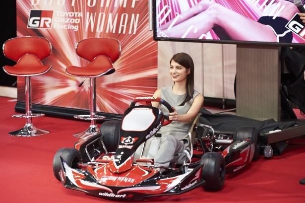 モデルのマギーが「TOYOTA GAZOO Racing WOMAN BOOTCAMP@MEGA WEB」イベントに登場した