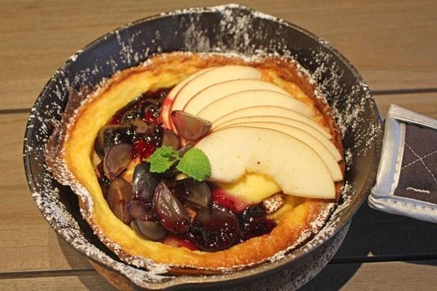 「季節のフルーツパンケーキ」(ドリンク付き・税抜1550円)