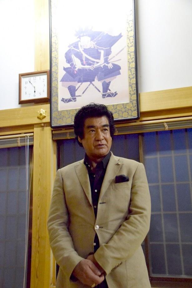 藤岡弘、が本多忠勝ゆかりの千葉・大多喜町を訪れた
