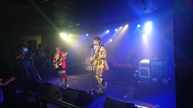 リアル重機娘は、「重機×少女」で日本のものづくりを応援するプロジェクトから誕生した
