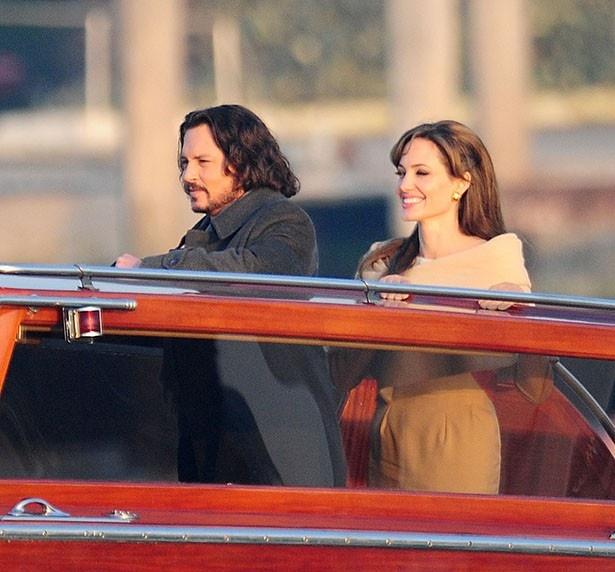 【写真を見る】不倫の噂もあった撮影時のアンジェリーナとジョニー