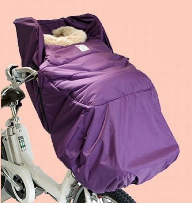 ベビーカーやスリングにも使える「3way」仕様で、寒い冬に便利