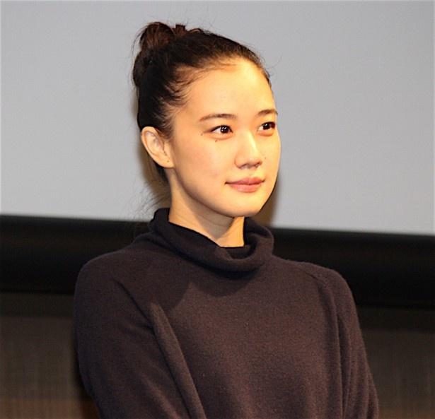 アズミハルコ役の蒼井優