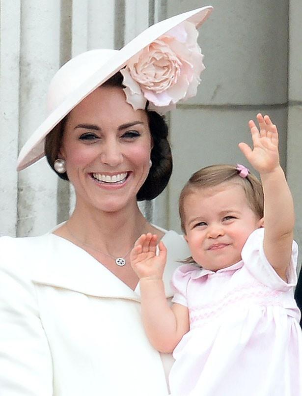 まだ1歳のシャーロット王女はなかなか公に姿を現さなかった