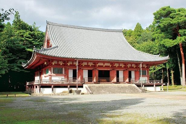 現在の金堂は豊臣秀吉の命で紀州から移築、1600(慶長5)年に完成