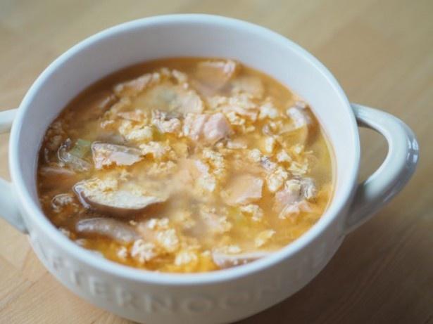 包丁なしで作れる「鮭とふわふわ卵のスープ仕立て」