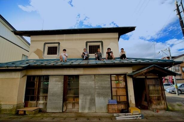 横手市十文字で空き家を活用し、発酵バル&ゲストハウスとしてオープン予定のcamosiba(カモシバ)