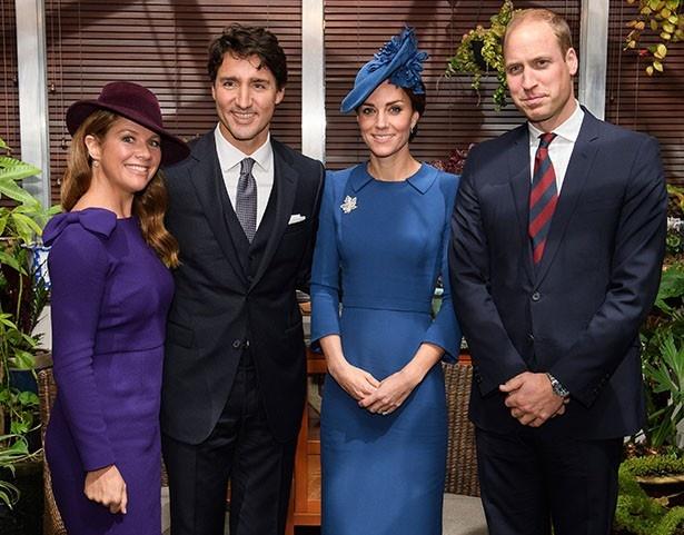 【写真を見る】服のチョイスが被ってしまったキャサリン妃とソフィー首相夫人!