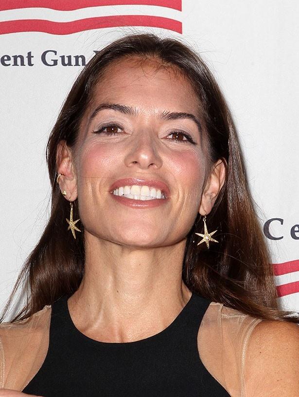 アンジェリーナが雇った凄腕の離婚弁護士ローラ・ワッサー