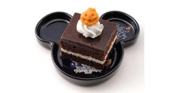 チョコレートケーキ、スーベニアプレート付¥600(東京ディズニーシー)