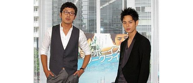 『ノーボーイズ、ノークライ』で日韓共演を果たした妻夫木聡とハ・ジョンウ