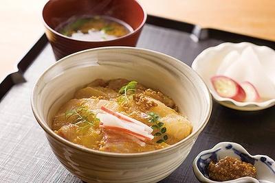 はしてたて名物「鯛の胡麻味噌丼」(1674円)/はしたて