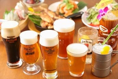 【写真を見る】10種類のドラフトビールの味の違いが楽しめる