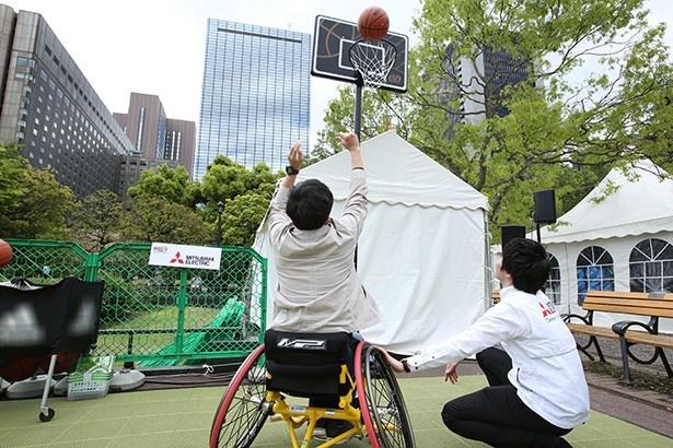 【写真を見る】イベントに参加して障がい者スポーツを身近に感じよう!