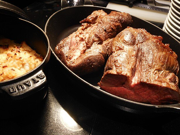 肉好きにはたまらない、ジューシーなローストビーフ