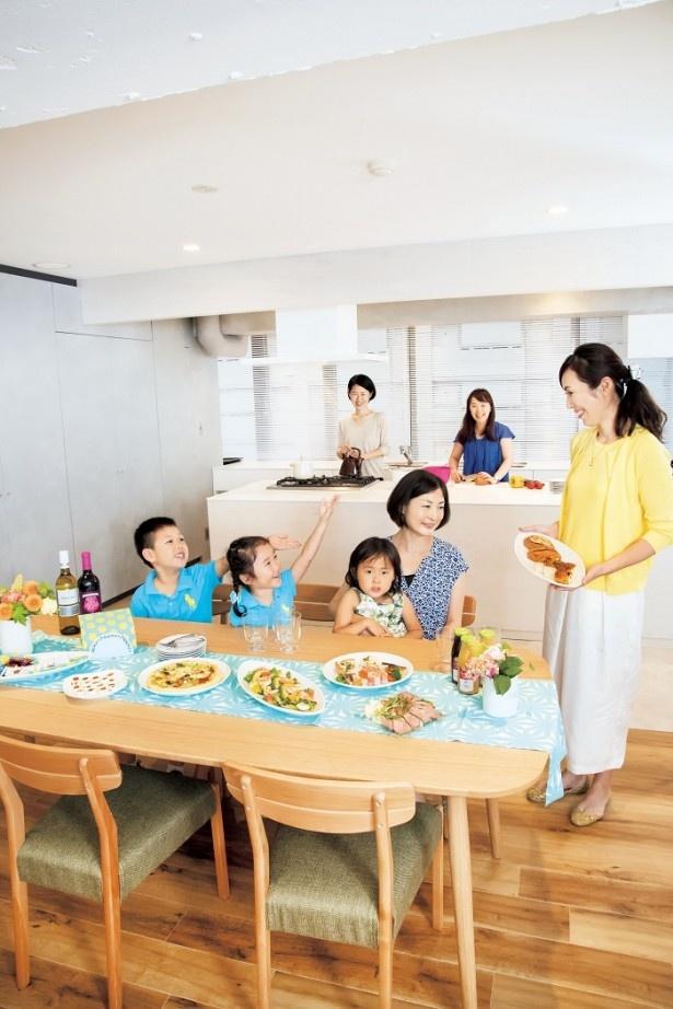 家に人を招くとなると、料理の準備だけでなく、あちこち掃除をしたりといろいろ大変。準備不要のレンタルスペースは、ママの強い味方!