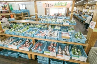 九州屈指の人気を誇る道の駅。産直品は午前中に売切れてしまうことも多いので早めに出かけよう