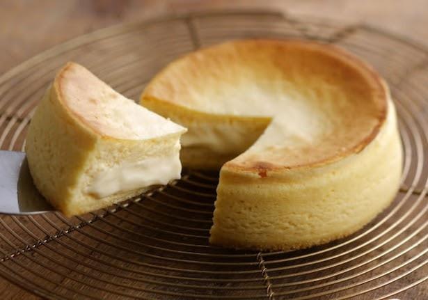 とろけるチーズが食欲をそそる!1番人気の「フォンダンフロマージュ」