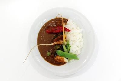 リュミエールでも食べられない、シェフこだわりの「京野菜のカレーライス」(900円)
